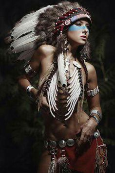 Billedresultat for nude indian headdresses Native Girls, Native American Girls, Native American Beauty, Feather Headdress, Native Indian, Indian Girls, Indian Beauty, Lady, Indiana
