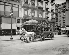 Shorpy Historic Picture Archive :: Fifth Avenue Stage: 1900 high-resolution photo