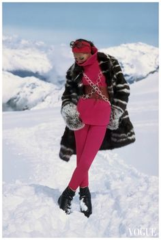 VOGUE - NOV 1968 - Marisa Berenson on Glacier Photo Arnaud De Rosnay