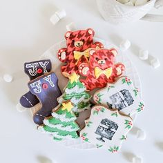 Merry Christmas!  #cookies #christmas #baking Christmas Baking, Christmas Cookies, Merry Christmas, Gingerbread Cookies, Bird, Desserts, Xmas Cookies, Merry Little Christmas, Gingerbread Cupcakes