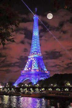 I miss Paris! Moon and Blue lighting in Eiffel Tower, Paris Paris France, Paris 3, I Love Paris, Paris Night, Paris City, France Art, Montmartre Paris, Torre Eiffel Paris, Paris Eiffel Tower