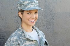 Mit der Militär-Diät soll man innerhalb weniger Tage mehrere Kilo Gewicht und damit bis zu eine Kleidergröße verlieren können. Erfahre hier, wie es geht!