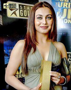 Indian Bollywood Actress, Beautiful Bollywood Actress, Most Beautiful Indian Actress, Beautiful Actresses, Indian Actresses, Bollywood Stars, Bollywood Girls, Bollywood Celebrities, Rani Mukerji