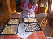 z tohoto množství je 4-5kg koláčků.Na svatbu se dělá asi za 2kgmouky -to je asi 8-10kg koláčků.\r\nJ... Russian Recipes, Cooking, Sweet, Polish, Kitchen, Candy, Vitreous Enamel, Brewing, Cuisine