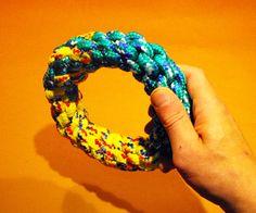 Instructies om met touw zelf een ronde ring te maken.