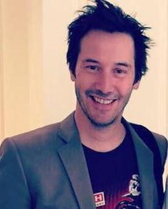 Here's a Happy Keanu pic for Happy Keanu day! (chicfoo) keanu