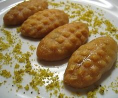 The platform where we share the best and most accurate recipes of Turkish sweets. Our goal is to deliver Turkish sweets to the whole world. Try new desserts with us Köstliche Desserts, Delicious Desserts, Dessert Recipes, Yummy Food, Tasty, Turkish Sweets, Turkish Dessert, Greek Cooking, Sweet Pastries
