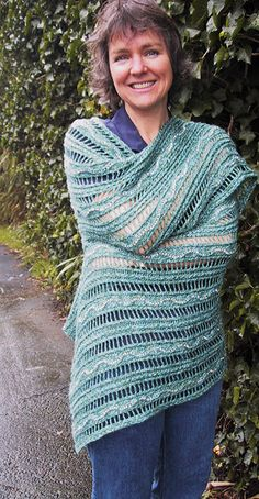 Endless Summer Shawl 8 or 5 mm Beads opt Yarn Weight: (3) Light/DK