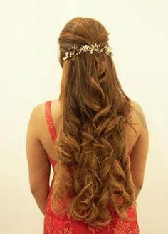 Incredible Long Prom Hairstyles With Pretty Headpiece That Will Be Huge for Prom Prom Hairstyles For Long Hair, Bridal Hairstyles, Latest Hairstyles, Hair Trends, Headpiece, Celebrations, Braids, The Incredibles, Hair Styles