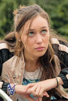 Alycia Debnam Carey as Alicia Clark in Fear the Walking Dead (Cobalt)