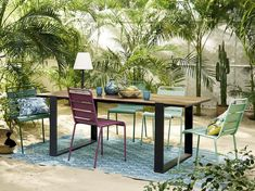 Factory style invites itself onto our patios with the CAMORES Aluminium and Composite Garden Table! Perfect for adding character to your outdoor dinin Hallway Furniture, Teen Furniture, Dining Furniture, Outdoor Furniture Sets, Garden Lamps, Garden Table, Garden Chairs, Table Jardin Metal, Dining Room Bench Seating