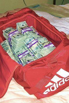 I love money money loves me! I am a money magnet Cash Money, Mo Money, Money Bill, Money On My Mind, Show Me The Money, Make Money Online, How To Make Money, Money Stacks, Money Affirmations