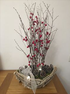 Table Branches with Berries Christmas Vases, Christmas Table Settings, Christmas Centerpieces, Christmas Time, Pine Cone Decorations, Outdoor Christmas Decorations, Holiday Crafts, Holiday Decor, Pine Cone Crafts