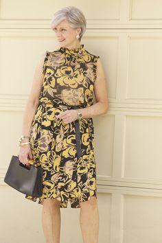 Fashion Over 50 60 Fashion, Over 50 Womens Fashion, Curvy Women Fashion, Fashion Over 40, Cheap Fashion, 50 Style Dresses, Women's Fashion Dresses, Maxi Dresses, Casual Chic Style
