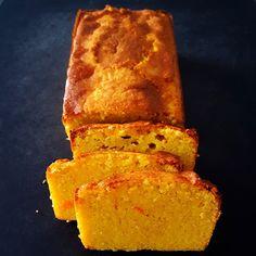 une recette très rapide et très simple de cake moelleux aux amandes et à l'orange parfaite pour le goûter ou pour accompagner le thé.