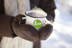 10 bebidas veganas ideales para el invierno.Las bebidas calientes son ideales no solo para afrontar los días frios de invierno, sino tambi&eacut...