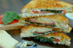 Summer Grilled Cheese Recipe Lunch with softened butter, dried dill, dried… Best Grilled Cheese, Grilled Cheese Recipes, Real Food Recipes, Cooking Recipes, Real Foods, Entree Recipes, What's Cooking, Keto Recipes, Healthy Recipes
