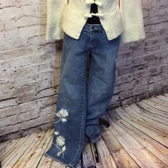 """WHITE HOUSE BLACK MARKET EMBROIDERY PRINT JEANS Loving these cute floral embellished jeans with flowers on front leg and back as well as on pocket. Inseam 32"""" BOX 1 White House Black Market Jeans Boot Cut"""