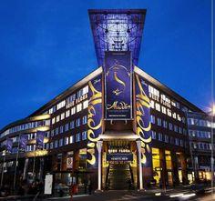 #lieberDschinni ich, Jasmin wünsche mir so sehr bei der Premiere in Hamburg von Aladdin mit Begleitung dabei zu sein:)