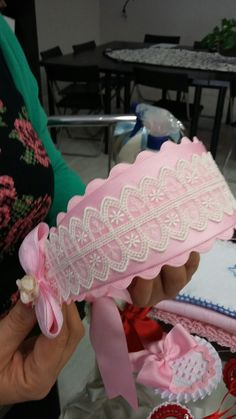 Handmade Hair Bows, Diy Hair Bows, Ribbon Hair, Ribbon Bows, Flower Girl Headpiece, Fascinator Headband, Fabric Headbands, Floral Headbands, Crochet Headband Free