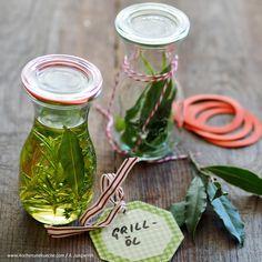 Kräuteröl für Grillspeisen » Kochrezepte von Kochen & Küche Kraut, Mason Jars, Fruit, Easy Meals, Chef Recipes, Mason Jar, Glass Jars, Jars