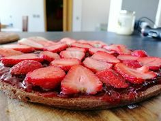 Moja prvá šťavnatá jahodová torta od mamy - akcnemamy Ale, Strawberry, Fruit, Food, Meal, Ale Beer, Essen, Strawberry Fruit, Ales