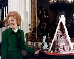 White House Gingerbread House | (1972) First Lady Patricia Nixon in the East Room.