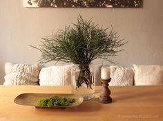 Die Raumfee: Oktobertisch . Der inwendige Wald - mit Heidelbeeren, Moos und Eicheln // October table . The interior forest - with blueberries, moss and acorns