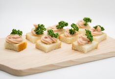 tunacream on white bread with parsley White Bread, Parsley, Passion, Finger Food
