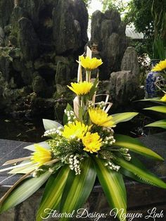 Contemporary Flower Arrangements, Tropical Flower Arrangements, Church Flower Arrangements, Beautiful Flower Arrangements, Flower Centerpieces, Flower Decorations, Beautiful Flowers, Altar Flowers, Tall Flowers