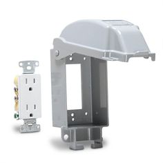 TAYMAC 1-Gang Vertical Mount Weatherproof Extra Duty While in Use Cover/Duplex Combo