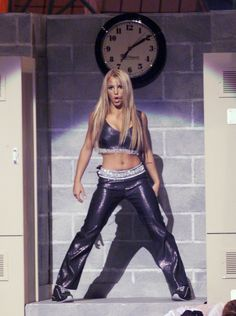 It works. Her loneliness, which was killing her just before, is killing her no more. | 95 Reasons Why The VMAs Are Absolutely NOTHING Without Britney Spears