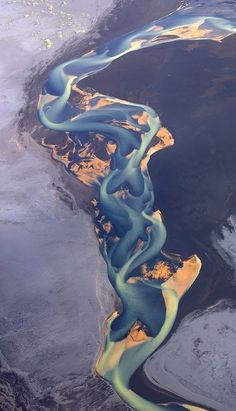 Volcanic ash rivers in Iceland  http://naturebeautynow.tumblr.com