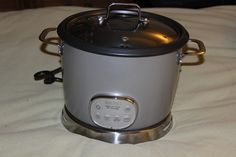 $38.50!! FREE SHIPPING!! AROMA DIGITAL RICE COOKER STS TECHONOLOGY!! 10 CUPS. VERY GOOD CONDITION!!