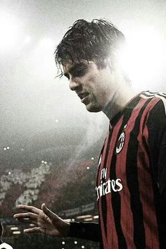 kaka the fuckin' legend Best Football Players, Good Soccer Players, Football Is Life, Football Soccer, Milan Wallpaper, Legends Football, Chelsea Football, Football Wallpaper, Soccer Stars