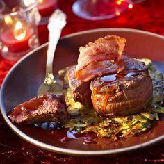 Découvrez la recette Médaillons de chevreuil, sauce au porto sur cuisineactuelle.fr.
