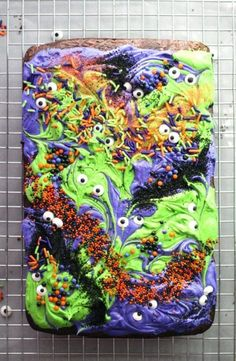 Halloween Season is officially here! The time of monsters and scary movies, haunted houses and spooks. It is also the time for sticky-sweet treats like these Monster Mash Halloween Brownies. Halloween Brownies, Halloween Desserts, Halloween Cupcakes, Halloween Chocolate, Halloween Food For Party, Halloween Season, Easy Halloween, Spooky Halloween, Holidays Halloween