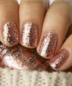 rose gold nail polish<3