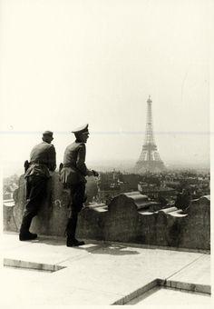 Los nazis han tomado París. Foto privada de un soldado de la Wehrmacht.