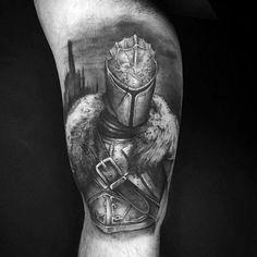 70 Dark Souls Tattoo Designs For Men - Video Game Ideas Half Sleeve Rose Tattoo, Half Sleeve Tattoos For Guys, Tribal Sleeve Tattoos, Tattoo Sleeve Designs, Tattoo Designs Men, Dark Souls, Tattoo Guerreiro, Sparta Tattoo, Seele Tattoo