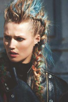 15 beautifully chic punk hairstyles # beautiful hair # hair # den # hair style # pin The Effective P Faux Hawk Ponytail, Faux Hawk Braid, Braided Hairstyles, Cool Hairstyles, Viking Hairstyles, Faux Hawk Hairstyles, Black Hairstyles, Hairstyles Haircuts, Viking Braids