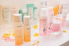 Mamonde is a beauty brand inspired by flowers. Check out what they offer in their wide range of products :)