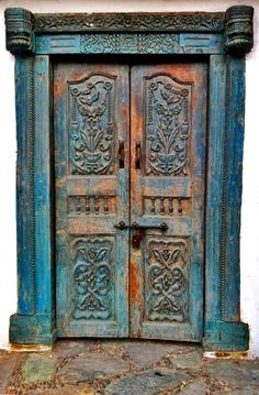 Şirince, İzmir, Turkey, ornaments, old wooden door, cracks, details, entrance, doorway, indgangsparti, beauty, architechture, carvings, photo