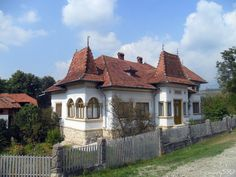 Traditional well-to-do peasant house, Arges county Romania, Exterior Design, Bungalow, House Design, Cabin, Traditional, Mansions, Landscape, Country