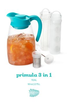 From David's Tea, This multitasking pitcher can brew your tea, chill it or infuse it with fresh fruits. I may never need to make juice from concentrate again. Davids Tea, Tea And Crumpets, Coffee Heart, My Tea, Yummy Eats, Saveur, Tea Recipes, Iced Tea, Taste Buds