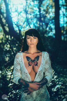 Sunset Tattoo Nude Women   Emotion Portrait  von VisualARTpoetry  #nude #women #Tattoo #ink #akt #print #etsy