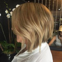 """Beautiful golden blonde by Ashleigh and texture bob by Johnny  #horsemeatdiscosalon #brisbanesbesthaircolourists @wellapro_anz"""