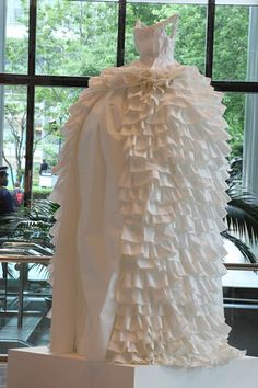 Artist Susan Stockwell weaves British history throughout her collection of extravagant paper-made gowns. Her life-size dresses, like her other installations, comment on global commerce and geography through makeshift fabric constructed out of a… Paper Clothes, Paper Dresses, Recycled Art, Repurposed, Paper Fashion, Textile Artists, Marie Antoinette, Fabric Art, Wearable Art