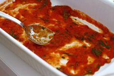 "Vinete ""à la parmigiana"" - vinete cu parmezan   Laura Laurențiu Parmezan, Salsa, Ethnic Recipes, Food, Meal, Salsa Music, Restaurant Salsa, Essen, Hoods"
