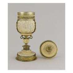 Coupe sur pied en ivoire -Art.fr - Musée national de la Renaissance (Ecouen) (RMN) - reproductions d'oeuvres artistiques pour amoureux d'art